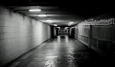 Resultado de imagem para escola á noite historia de terror