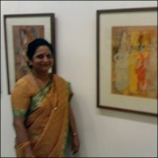 Female Indian artist in Jehangir Art Gallery, Mumbai