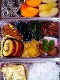 top:apple,kaki(japanease autumn fruit),salade of daikon and norimiddle:(left photo)bottom:porato au gratin,mugi gohan(rice and mugi)
