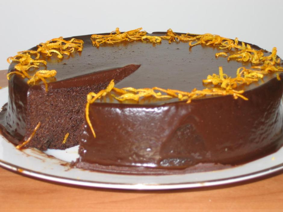 nOt jUsT dEsSeRts: Chocolate Orange Cake