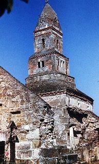 Biserica de piatră antică din Densuş