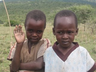 Niños masai en Siana, Kenya, septiembre de 2006