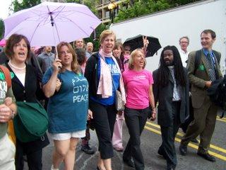 People in impromtu march to Rumsfeld's house