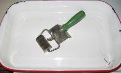 noodle cutter