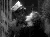 Dietrich y Cooper en Marruecos. Por supuesto Cooper NO era exactamente gay, pero si se lo hizo con el tipo aquel... siempre podemos soñar