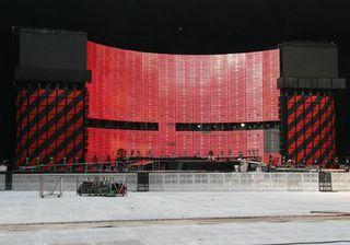 Montaje escenario U2 // Vertigo Tour