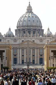 En el Vaticano, velando por su salud