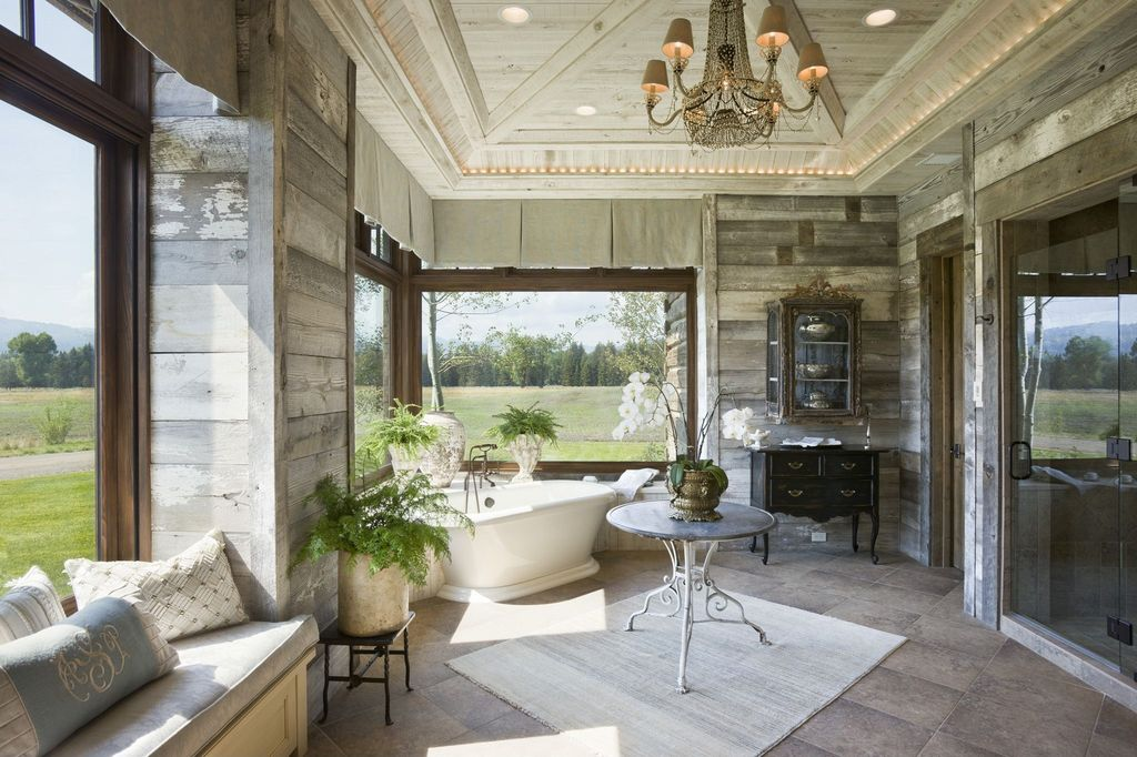 Great Country Master Bathroom