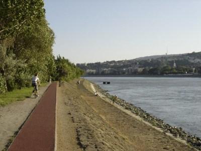 Paseo al lado del Danubio