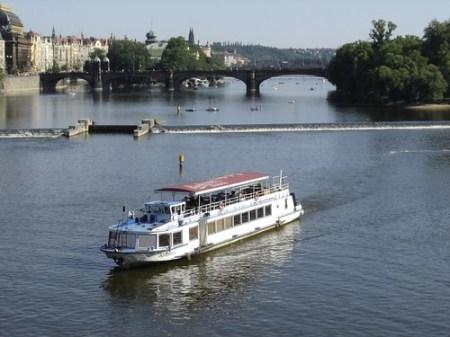Crucero por el río