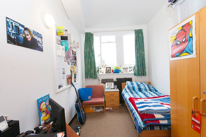 Student Flat Ideal For St Marys University Room To