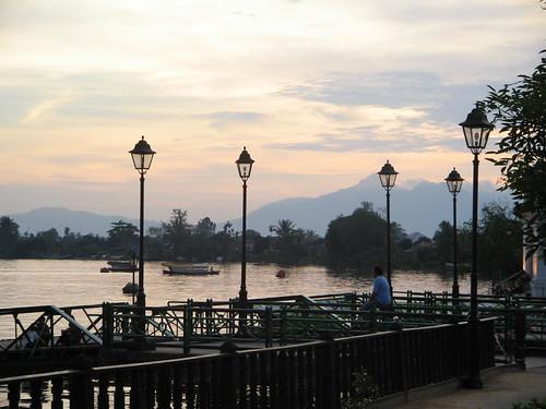 Late view pada sungai sarawak