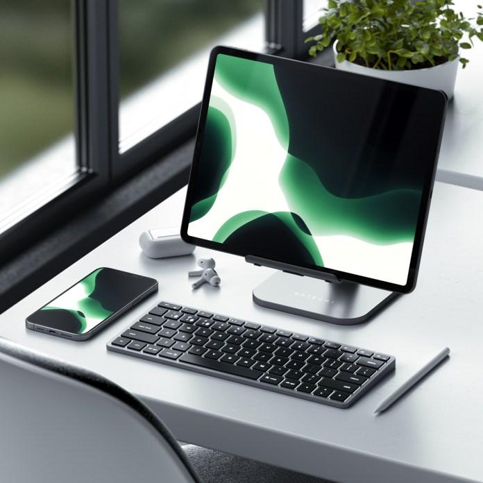 Satechi aluminum desktop iPad stand