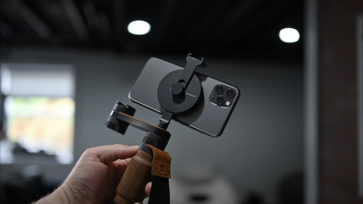 Our iPhone 11 Pro using a MagSafe mount