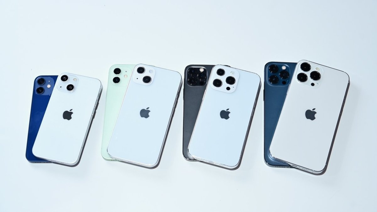Comparing the iPhone 12 lineup to the iPhone 13 lineup