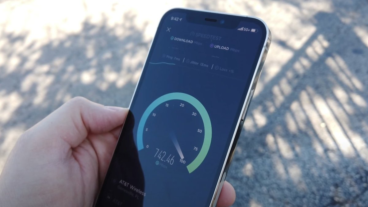 mmWave 5G provides high speeds, but isn't widely available