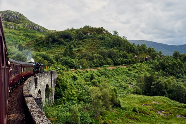 jacobite train, west coast railways, scot ail, rail, journey, scenic, glenfinnan viaduct, harry potter, steam train, scotland, uk, ursula schmitz, my trip to the highlands