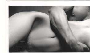 photo artistique sensuelle de couple en studio