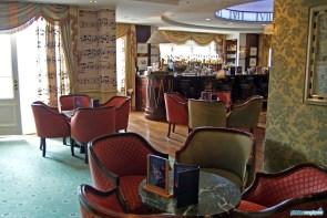 Disneyland Hotel Cafe Fantasia