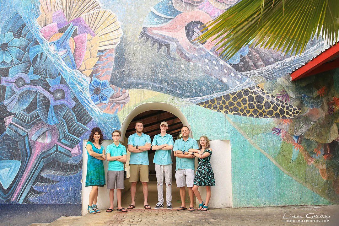 Cancun photographer;,Isla Mujeres family beach photos; Isla Mujeres photographer; Lidia Grosso Photography Cancun,, beach family portraits cancun, family portraits cancun, independent photographer cancun, professional photographer cancun, retratos de familias cancun, riviera maya photographer