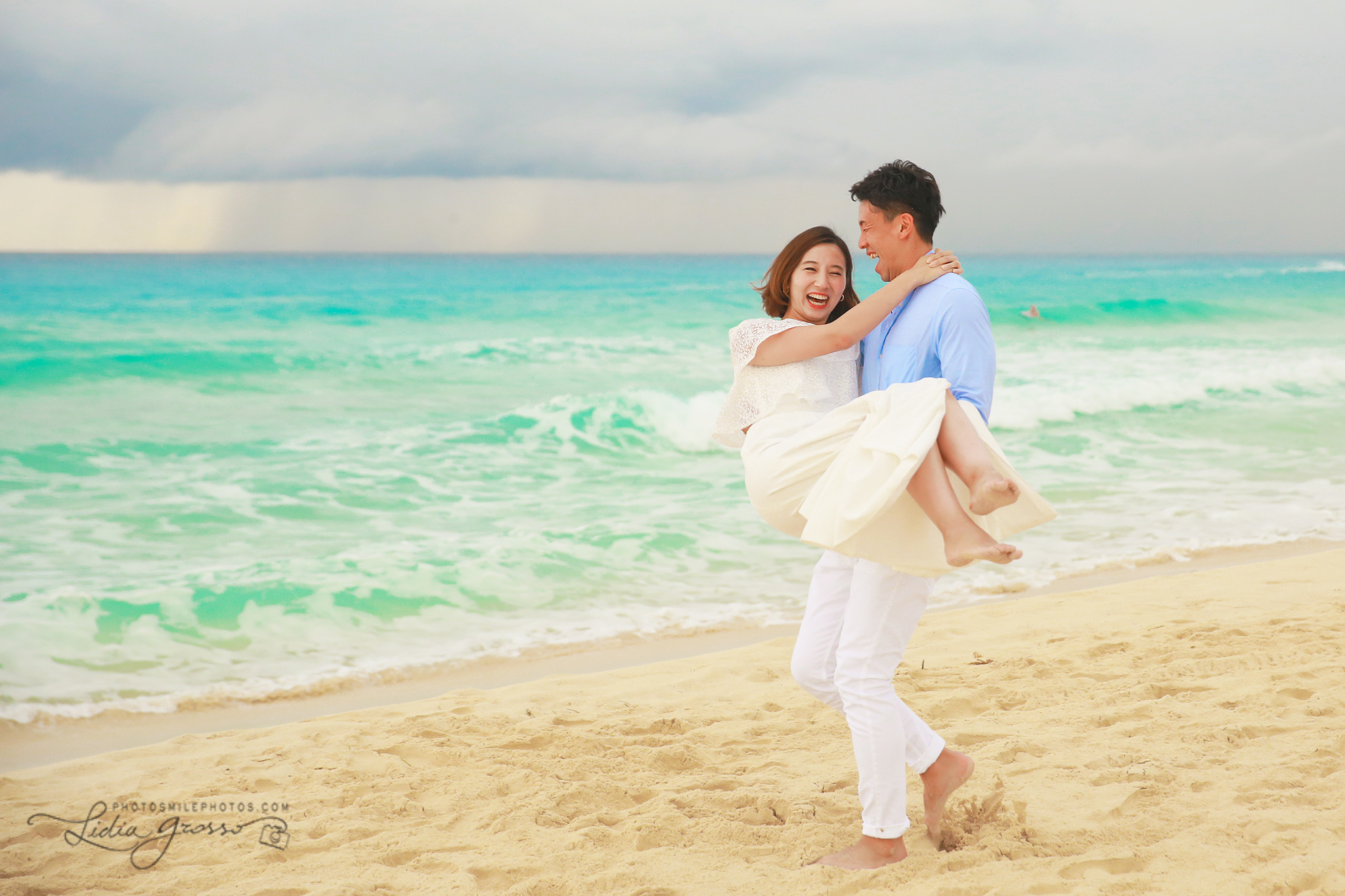 Playa Delfines Cancun couples portraits, Beach photography Cancun, Japanese couples Potraits Cancun, honeymoon photos Cancun, Cancun Photographer, His agencia de viajes cancun photographer