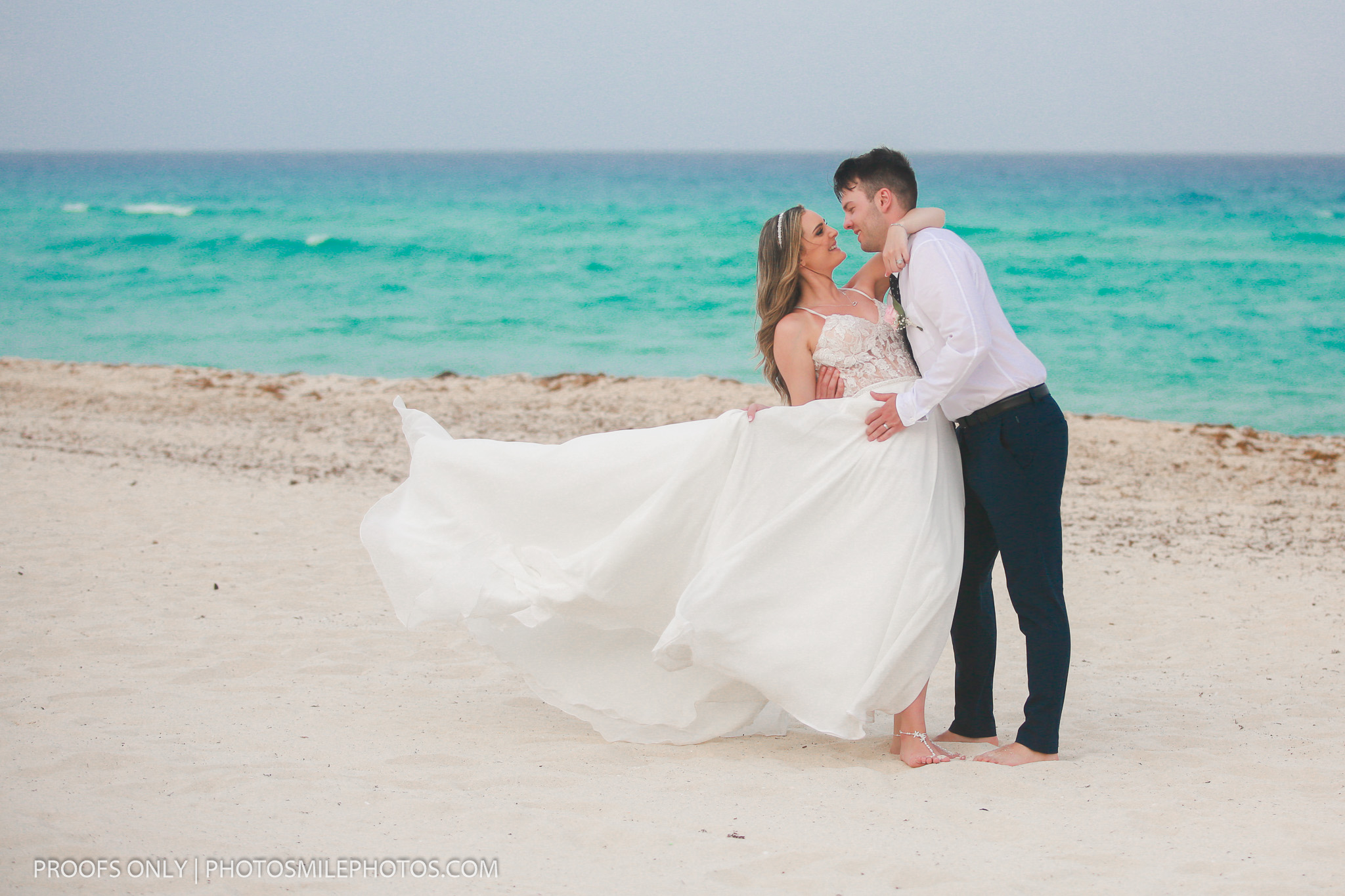 Grand Oasis Cancun Weddings, Cancun photographer, destination weddings Cancun, beach weddings Mexico, Lidia Grosso photography, bride getting ready photos