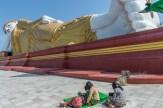 Grand Bouddha couché de Taung Khatakan