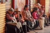 Pélerins près du Jokhang - Lhassa - Tibet