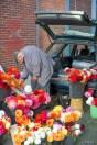 Le vieux marchand de fleurs - Bourges - France.