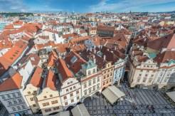 Place de la vieille ville depuis la tour de l'horloge astronomique - Prague - Réblique tchèque.