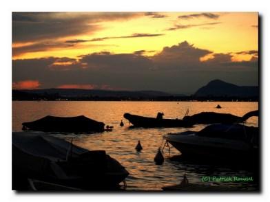 Lac d'Annecy , le soir