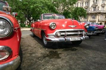 Alte, oldtimer Fahrzeuge in den Straßen von Kuba, Havanna. November 2015 // Old calssic car in the streets of Havanna, Cuba. November 2015
