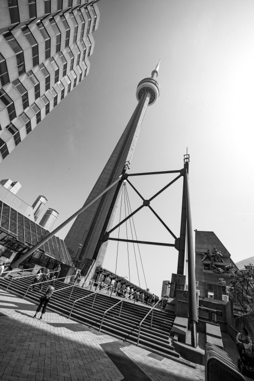 CN Tower in Down Town Toronto, Kanada. Mai 2015 // CN Tower in Down Town Toronto, Canada. May 2015