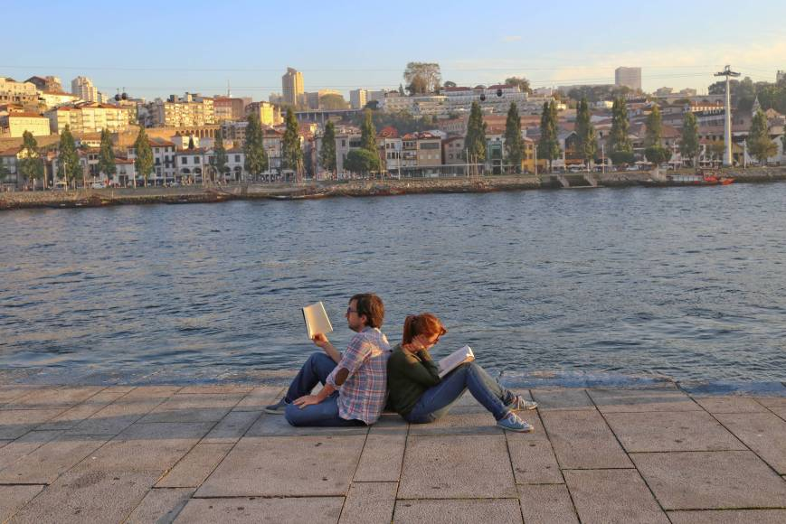Sunset readers in Porto, Portugal