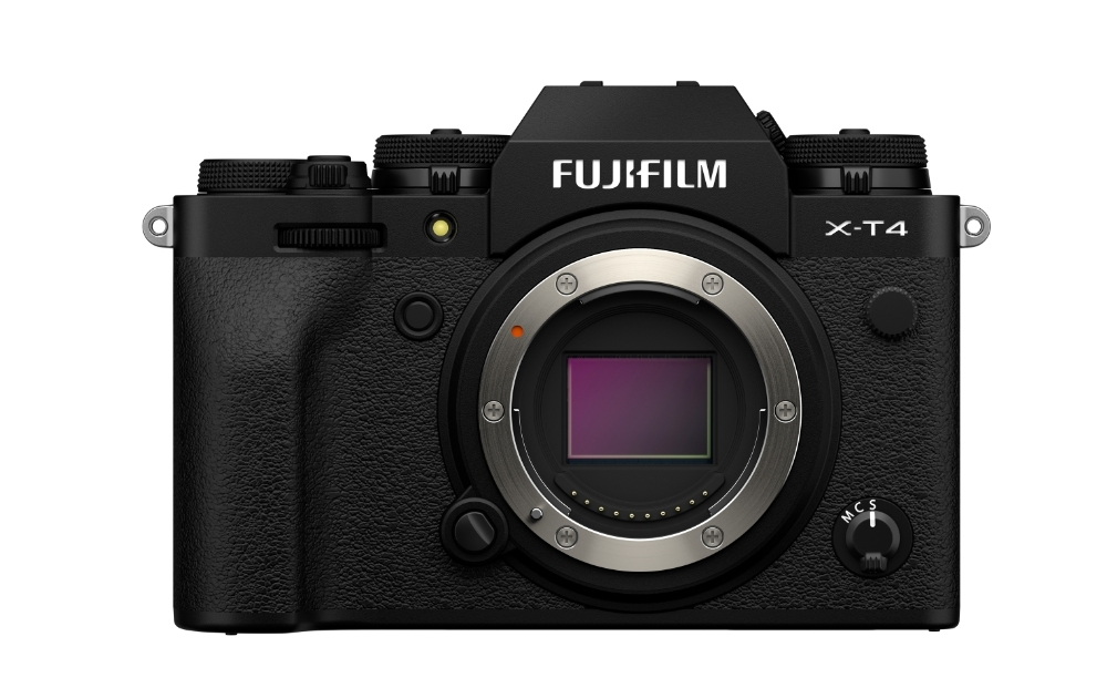 The X-T4 has become FUJIFILM's latest flagship APS-C mirrorless camera and has boosted its feature set for both video and photo, including an articulating screen, in-body image stabilization, 15 fps shooting.