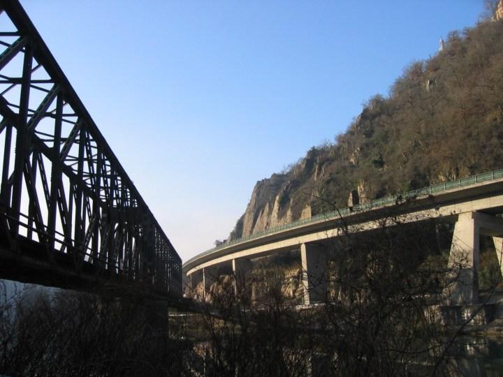 Eisenbahnrücke.Lahntal-img_0081