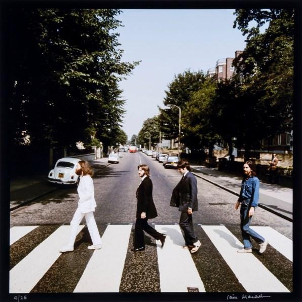 © Iain MacMillan, The Beatles, Photo 2 (Reproduction, © Bloomsbury Auctions)