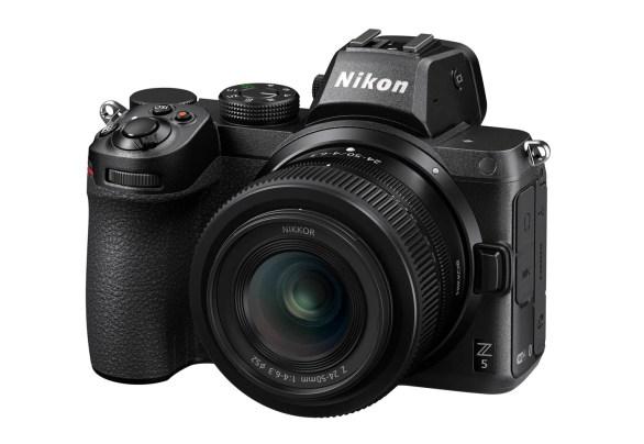 Nikon Z5 24 50 4 6.3 Front34l Off