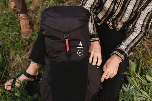 Moment Strohl Mountain Light Backpack Hiking 058