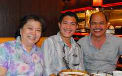 Manny Librodo with FPPF's Edi Huang and Chris Malinao