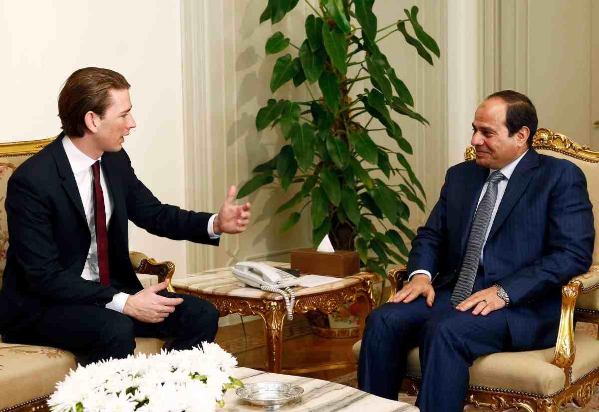 Arbeitsbesuch €gypten. Außenminister Sebastian Kurz im GesprŠch mit dem Šgyptischen PrŠsidenten Abdel Fattah Al Sisi. Kairo, 21.05.2015, Foto: Dragan Tatic