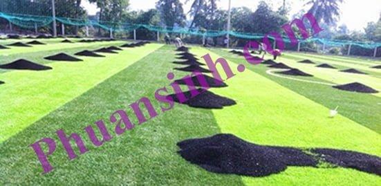 Hạt cao su trải sân cỏ nhân tạo