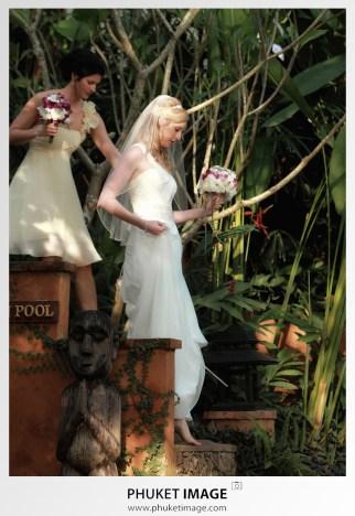 Beach wedding photographer at Rocky's Boutique Resort