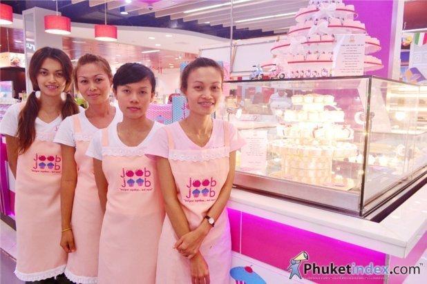 "Joob Joob ""designer cupcakes"" opening at Central Festival Phuket"