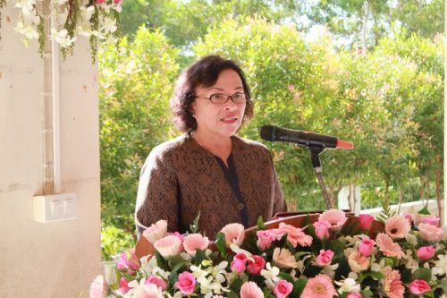 Phuket school awards diplomas to young graduates