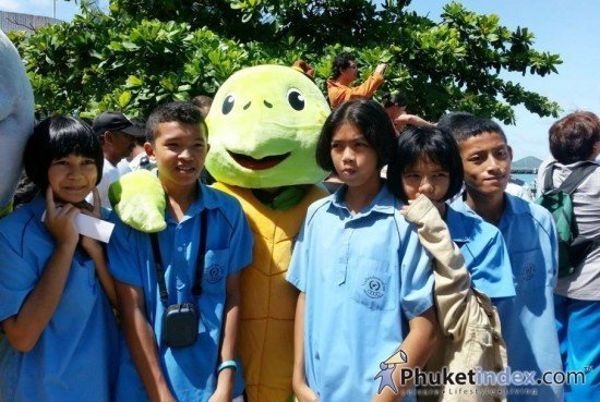 Phuket held World Ocean Day 2013