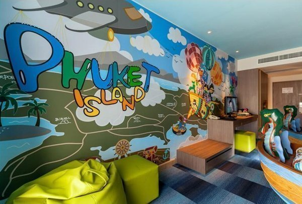 Holiday Inn Resort Brand Launches Kid Classified Campaign