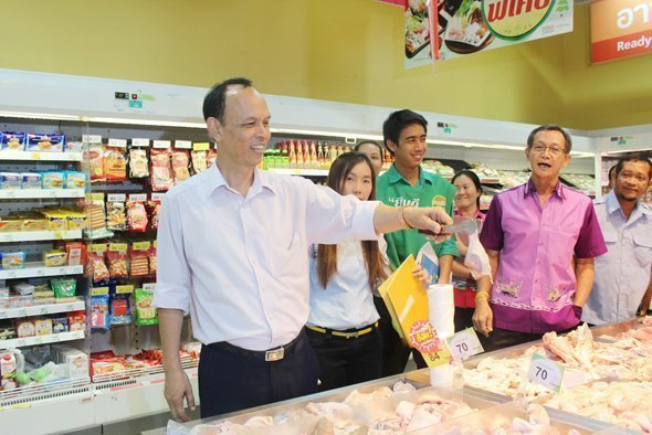 Phuket officials check fresh meat selling areas