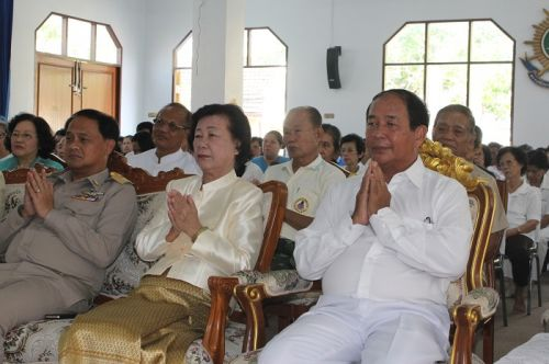 Honoring Abbot Of Wat Monkol Nimit For His Preferment