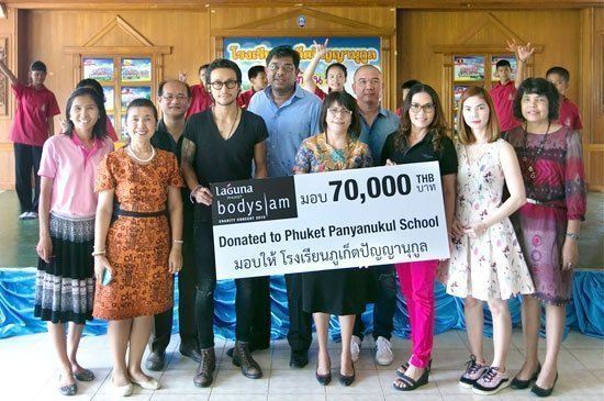 Toon's surprise appearance wowed Phuket Panyanukul students